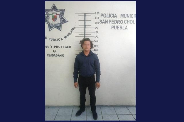 Detienen en San Pedro Cholula a tres que asaltaron a un turista