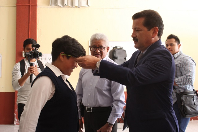 Benefician a 1,500 escolares con lentes gratuitos en San Pedro Cholula