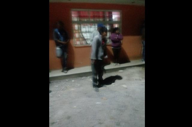 Se salva de ser linchado ladrón de casas en Amozoc