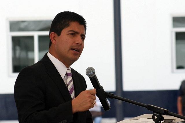 Retrasa Congreso audiencia por amparo de Eduardo Rivera