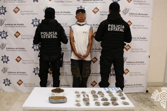 Detienen a 2 narcomenudistas en Puebla y Coxcatlán