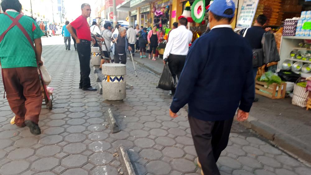 Ciclovía cancelada en  la 5 norte por presencia de ambulantes