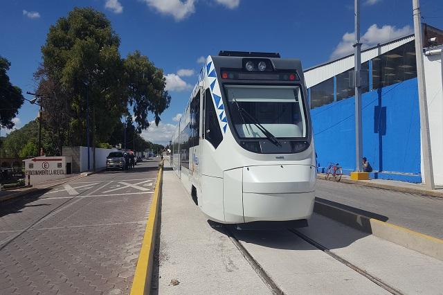 Estaciones a medias y señalética escasa en pruebas de tren turístico