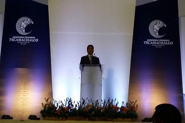 Lamenta presidente municipal de Tecamachalco críticas a su gobierno
