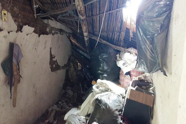 En Pilcaya sólo pueden vigilar sus casas a punto de derrumbarse
