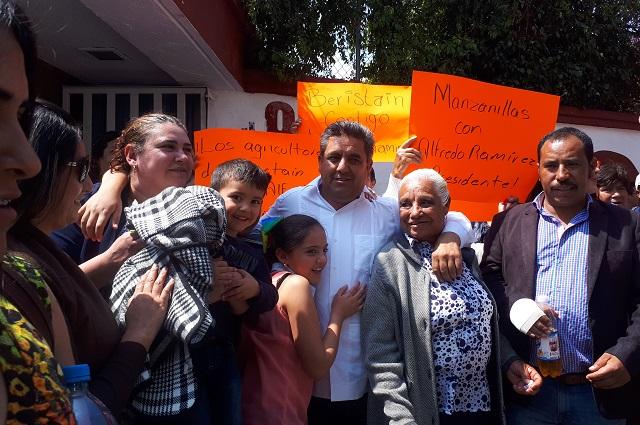 Busca Alfredo Ramírez candidatura de Morena en Ahuazotepec