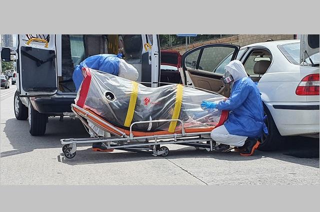 Conductor con posible Covid-19 sufre crisis frente a La Vista