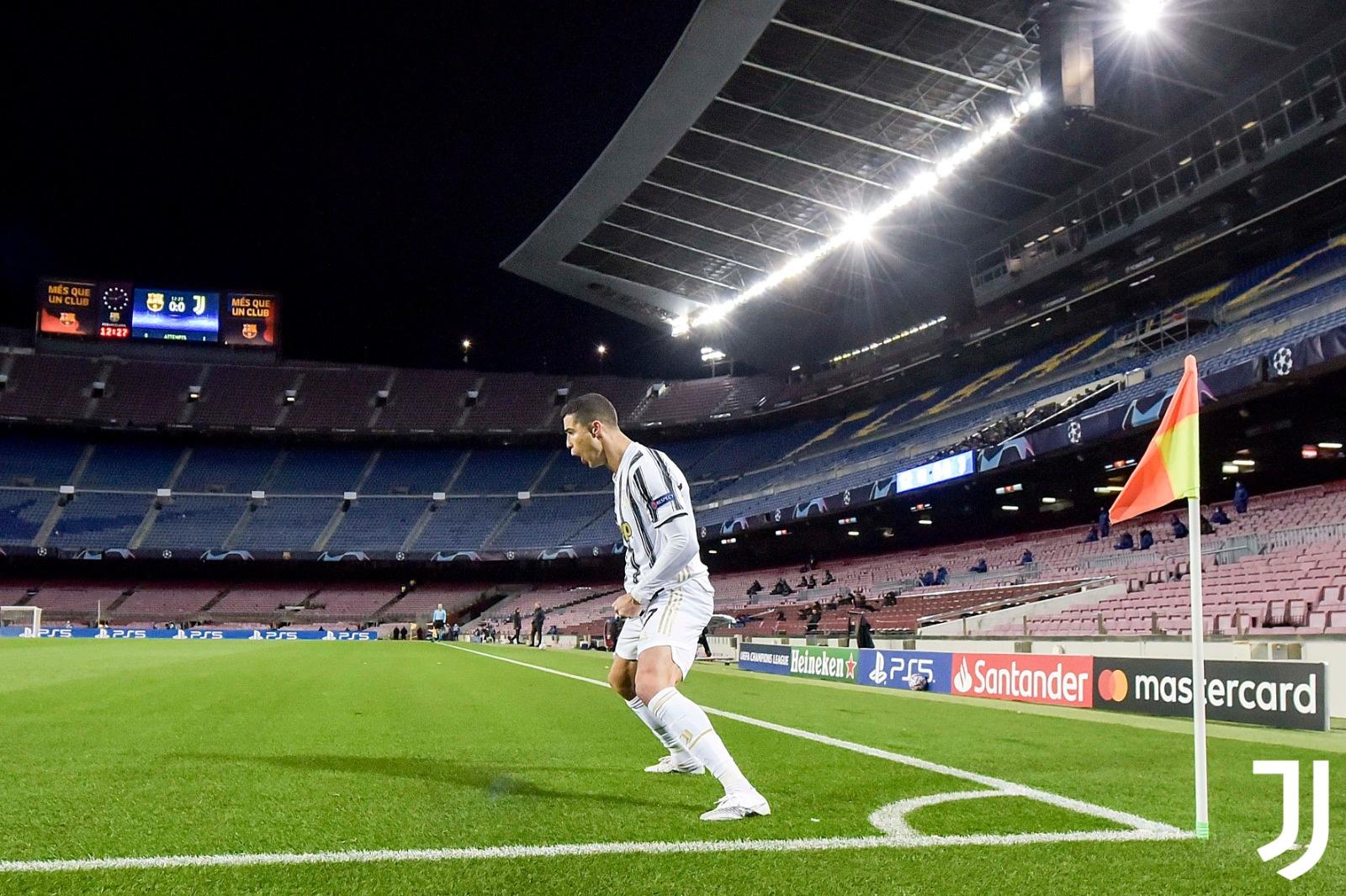 Con doblete de Cristiano, Juve arrebata liderato a Barcelona con victoria de 3-0