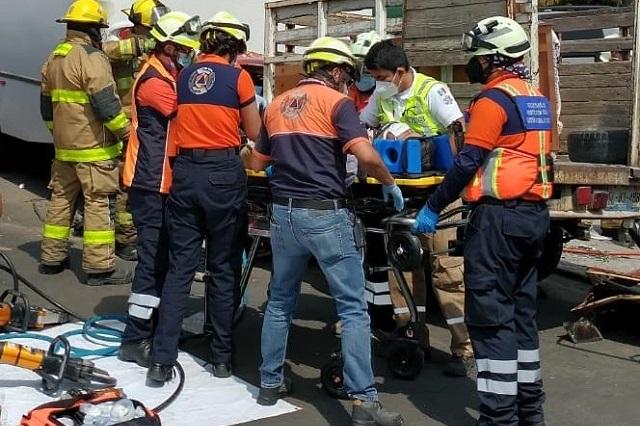 Aparatoso choque deja 3 prensados en Chapultepec