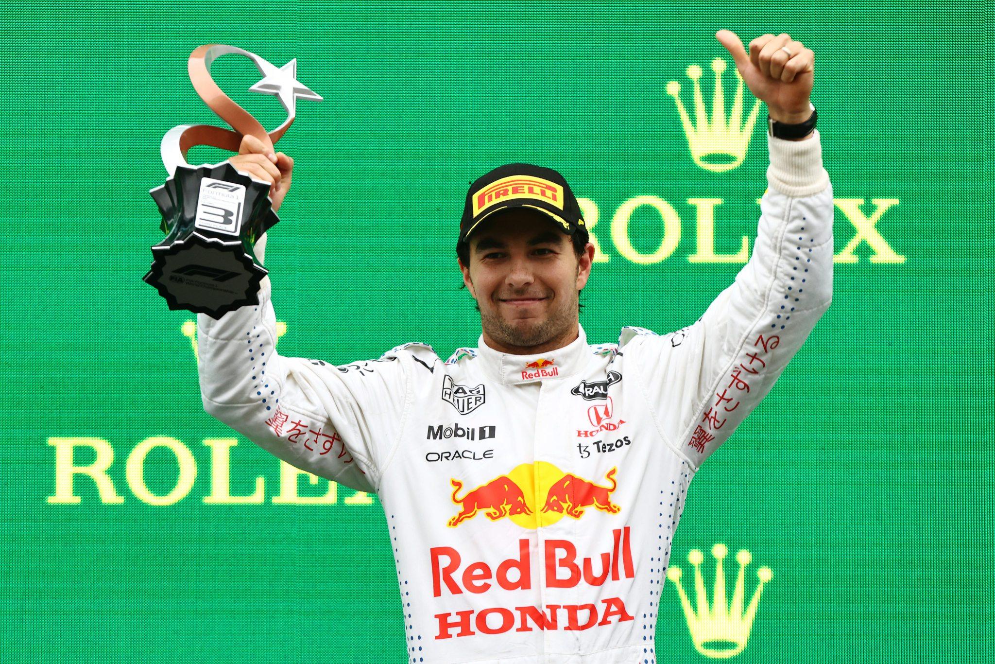 ¡Checo vuelve al podio! El mexicano acabó tercero en el GP de Turquía