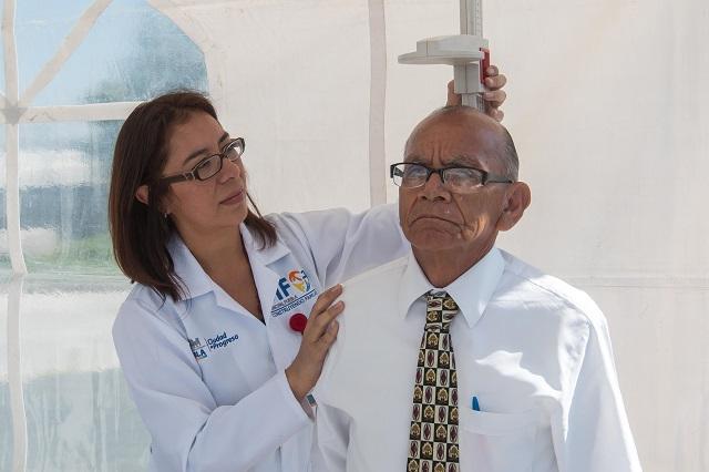 Realiza SMDIF Feria de Servicios Médicos