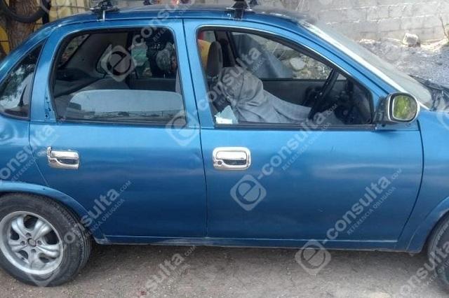 Acribillan a hombre en Tepeaca y hallan droga en su vehículo