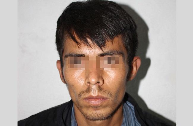 Persiguen a ladrón de autos y recuperan unidad en Puebla