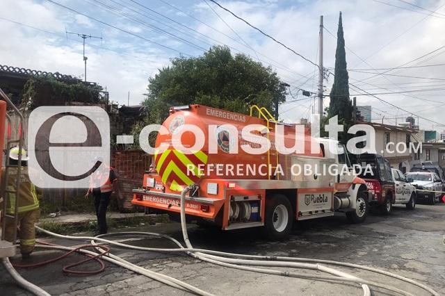 Incendio de casa en Romero Vargas moviliza a cuerpos de ayuda