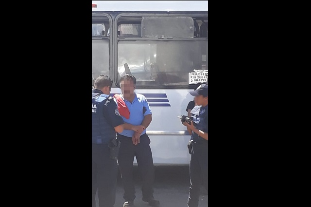 Chofer de Ruta 67 choca con auto y es baleado