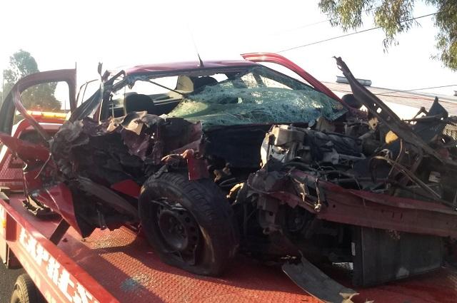 Automovilista libra la muerte en choque en la Puebla- Orizaba