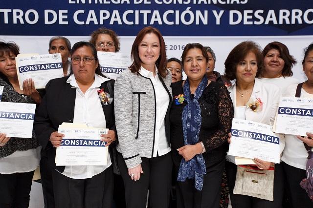 Concluyen cursos de capacitación en talleres del DIF municipal de Puebla