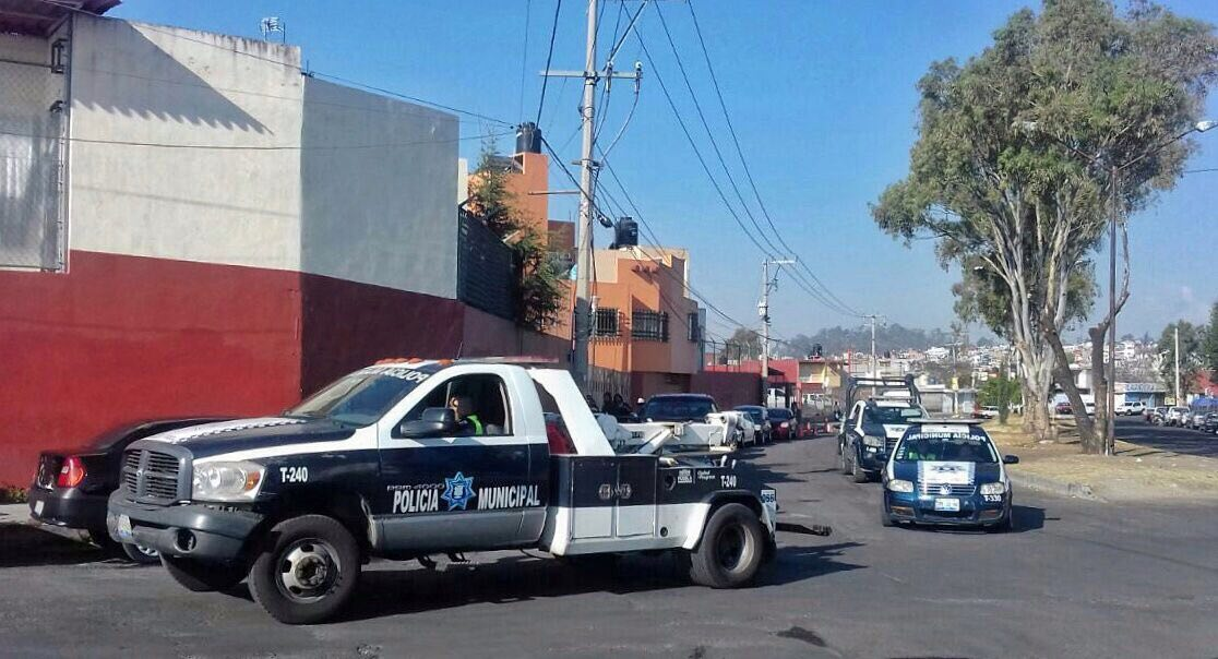 Aplica ayuntamiento operativo en tianguis de autos en La Ciénega