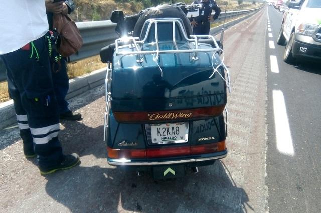 Motociclistas derraparan en la Puebla- Orizaba; hay una herida