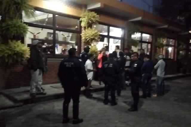 Comando atraca restaurante en Amozoc y golpea a dueños