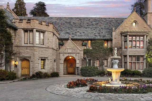 Conoce las casas más costosas de los famosos