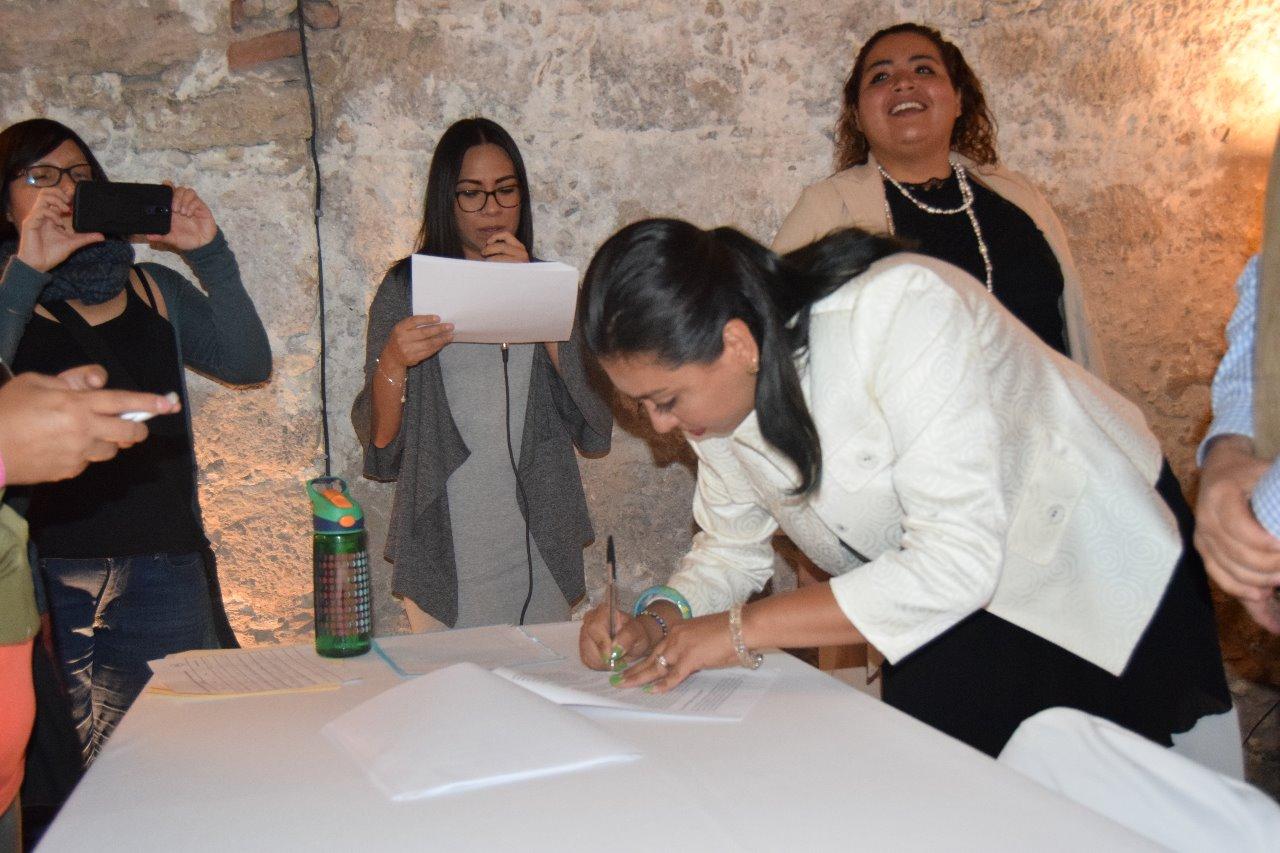 Candidatas del Partido Verde firman agenda de género