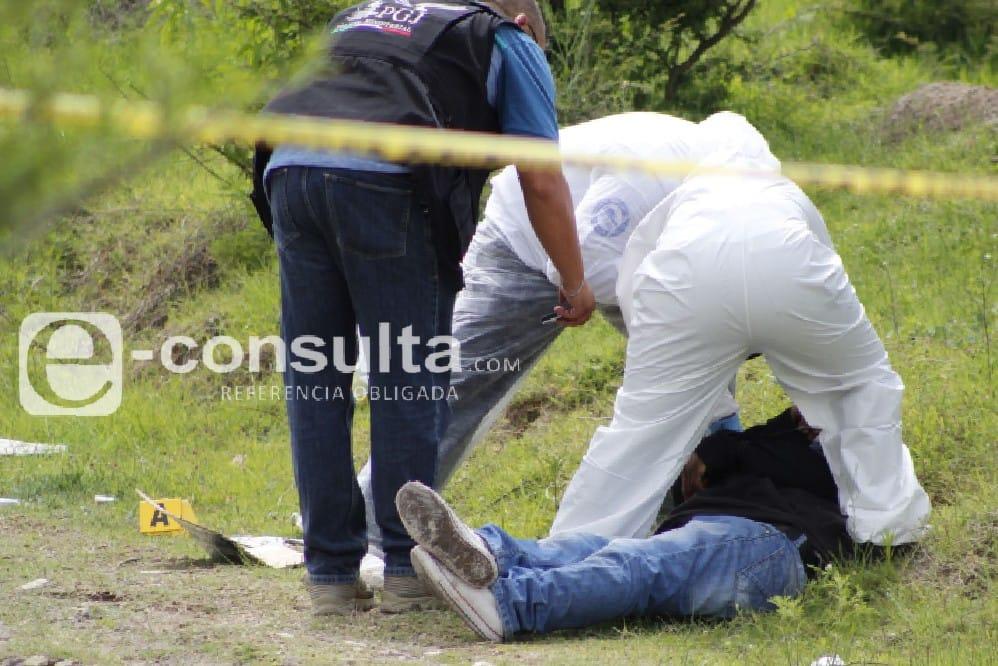 Hallan un muerto y un herido en tramos de la México-Veracruz