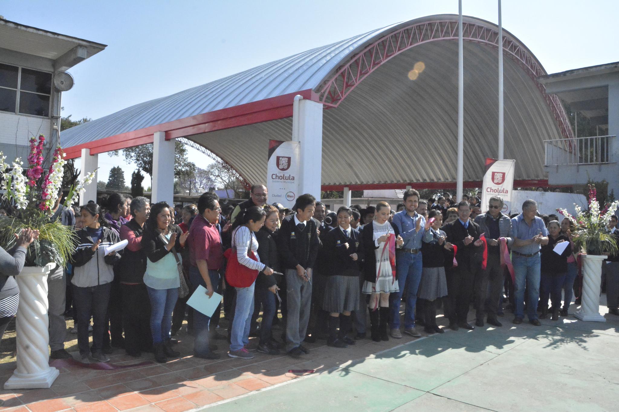 Inaugura edil domo de secundaria en San Pedro Cholula