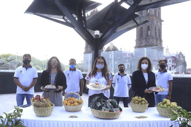 Inicia en Puebla la temporada de chiles en nogada