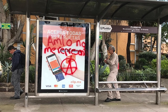 Pintas y vandalismo marcan la marcha del 2 de Octubre en Puebla