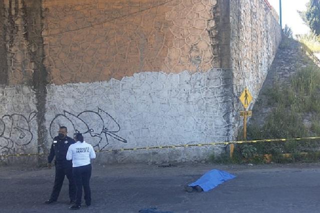 Hombre se arroja de puente en Texmelucan y muere