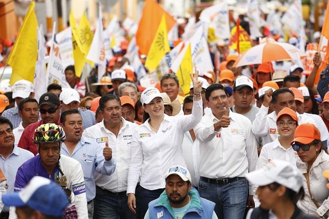 Encabeza Martha Erika Alonso caminata en Huejotzingo