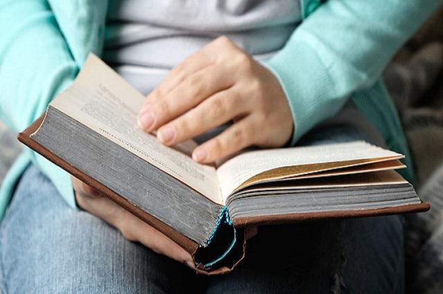 Confiesan los poblanos que leen menos de un libro al año