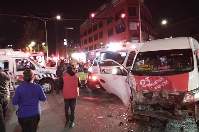 Chocan Ruta 25 y ambulancia; hay 15 lesionados en la Gabriel Pastor
