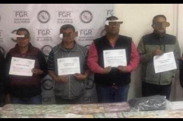 Detiene la FGR a 4 exmilitares en Lomas de Angelópolis