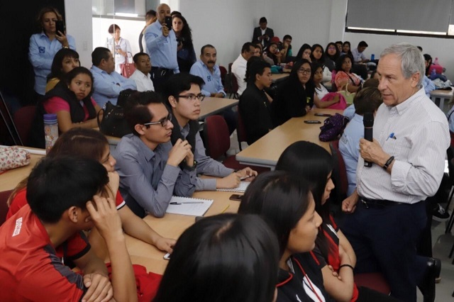 Cárdenas denuncia presiones a ediles para apoyar a candidato