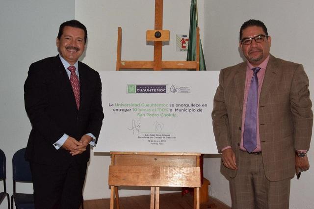 Jóvenes cholultecas podrán ganar beca en la Universidad Cuauhtémoc