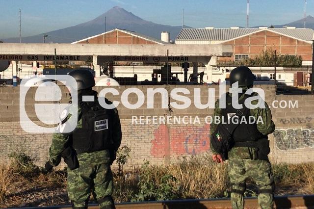 Federales catean gasera y taller mecánico en Xochimehuacán