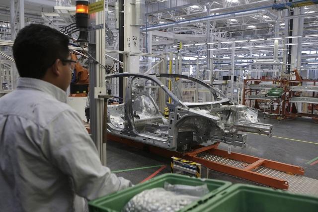 Audi va a la punta en producción mientras que VW sigue en picada