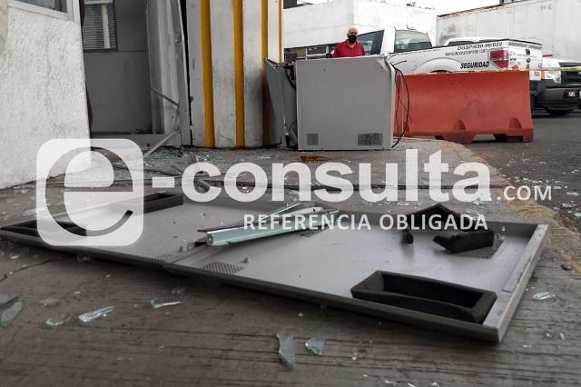 Comando intenta robar cajero de banco AFIRME en Plan de Ayala