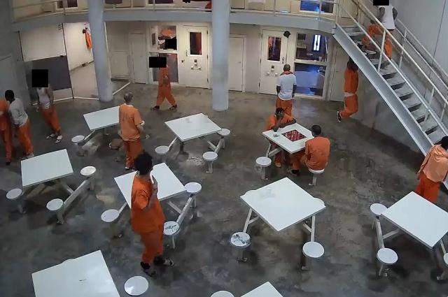 Hackers exponen a Tesla, cárceles y hospitales