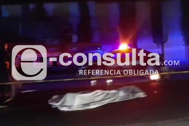 Muere motociclista embestido por tráiler en Tehuacán
