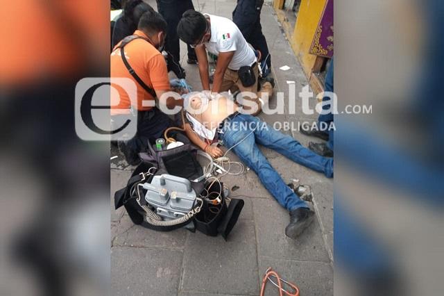 Muere infartado en calles del Centro de Puebla