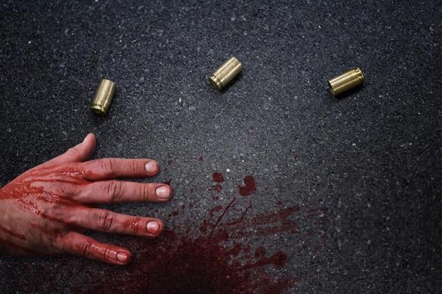 Frente a su padre, disparan en la cabeza a joven, en Atlixco