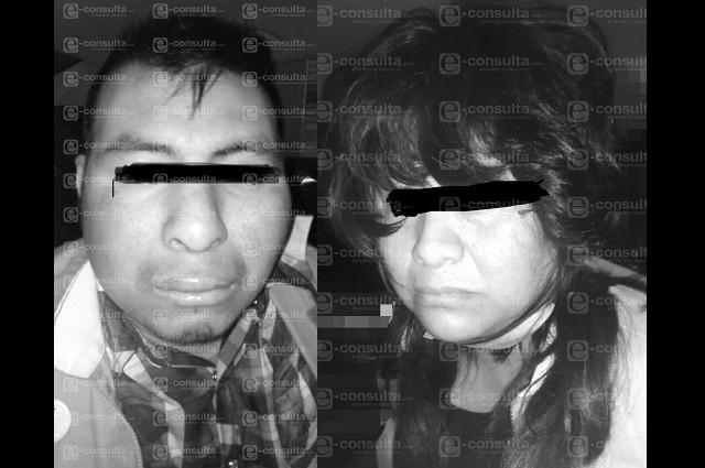 Los capturan cuando asaltaban un Oxxo al sur de Puebla