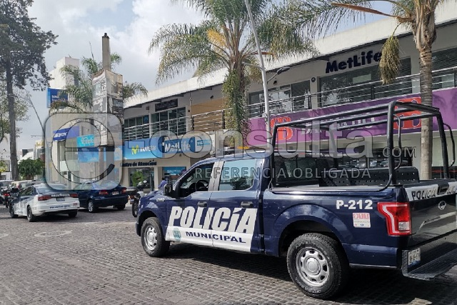 Empistolados atracan tienda AT&T en colonia La Paz