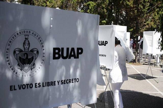 Cercanos a Esparza puntean elección de directores en la BUAP