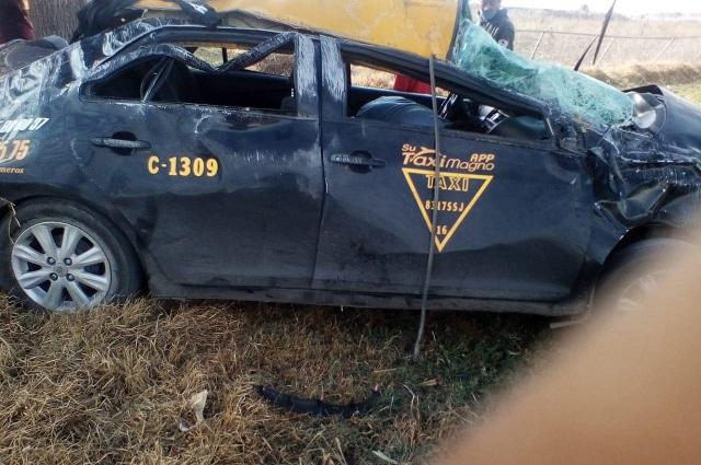 Volcadura de taxi en Chiapa mata a menor originaria de Puebla