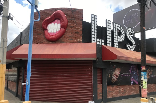 Fiscalía catea bar de Prados Agua Azul y decomisa droga
