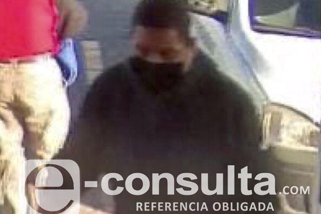 A mano armada roban 6 mil pesos en Oxxo de Acajete